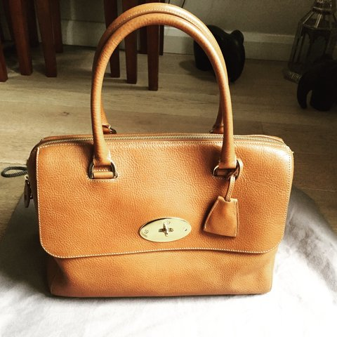ff8fa529a5 MULBERRY DEL REY IN OAK NATURAL LEATHER. I bought this but - - Depop