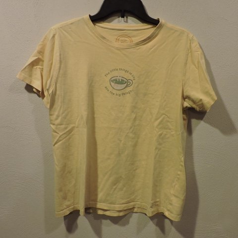 450e7a26123 ✨cute life is good yellow tee. 10 10 condition. Size women s - Depop
