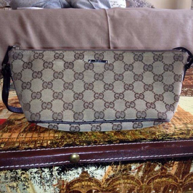357c5f8f5fcce9 AUTHENTIC Gucci Bag - I don't believe in purchasing fake so - Depop