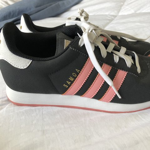 new concept 08563 90015 pink and black adidas samoa- 0