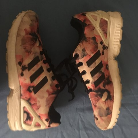 43cfeb41b3838 ZX FLUX K 8 10 condition cleaned a bit of creasing price  - Depop