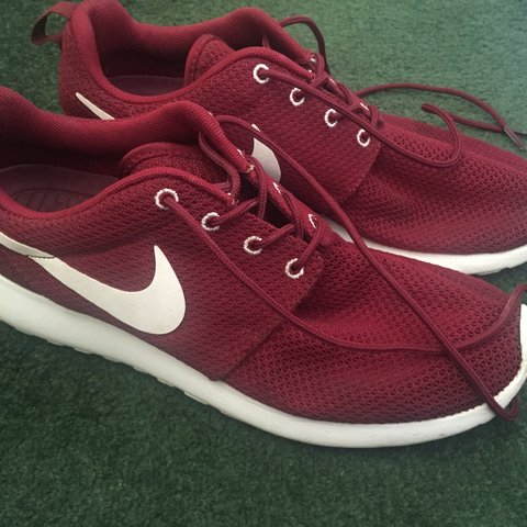 db8be0d626a9d Burgundy Nike roshe runs. Used but not many times. Great a - Depop