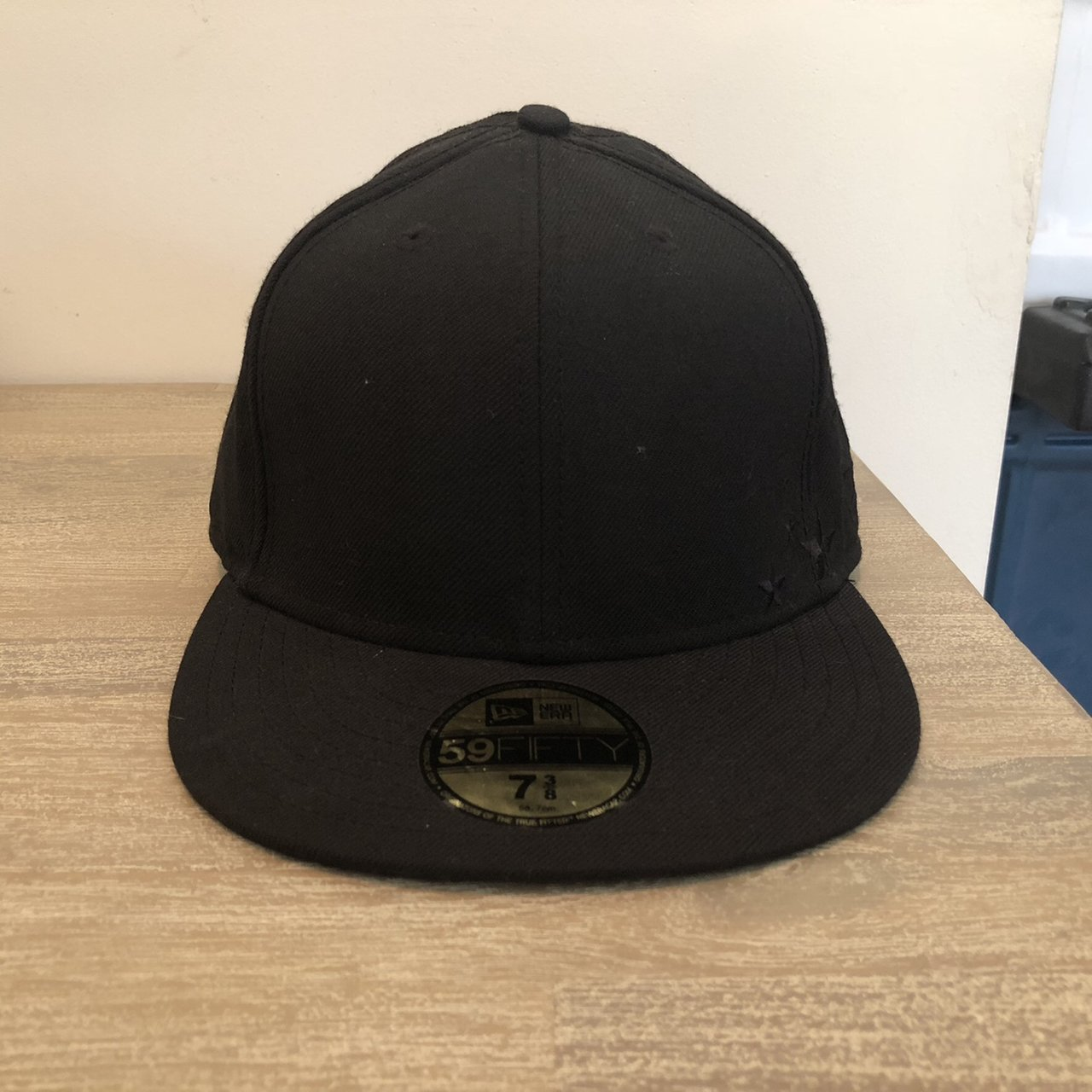 Supreme stars new era fitted hat in black size 7 3 8. Early - Depop 28aaba7d696