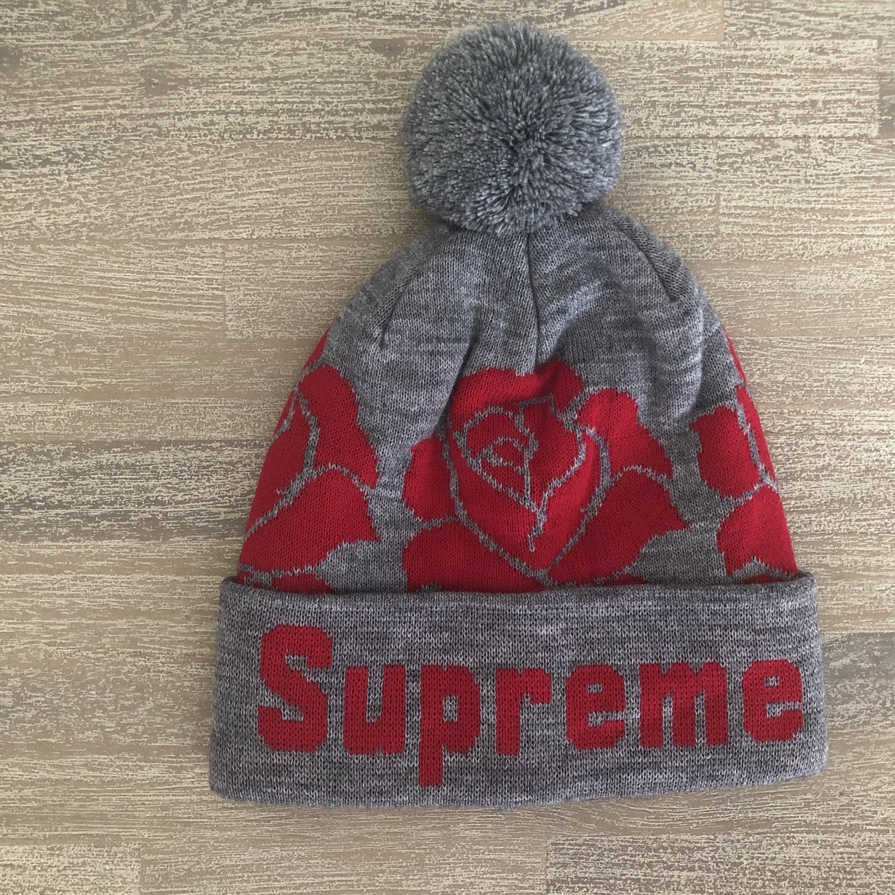203af2cecd9 Supreme FW12 Roses beanie in.  100. Supreme Rubber Patch Beanie SS18  February