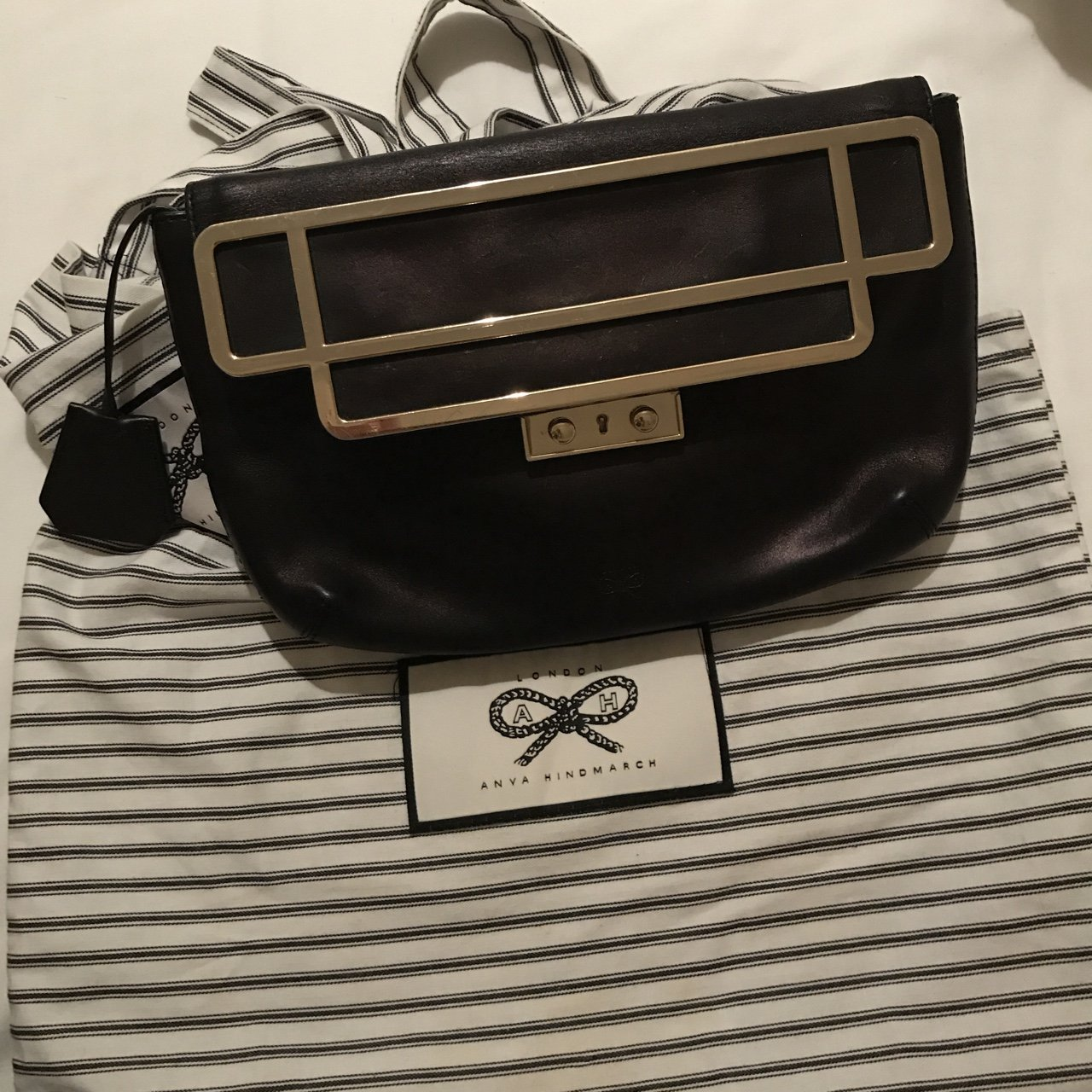 14f2cafb1bf9 Anya Hindmarch Black leather clutch
