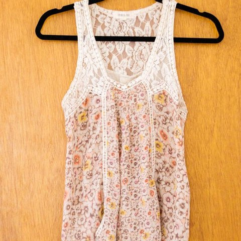e6f24adb91fa8 used Tilly s lace and floral tank top