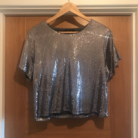 198e0fb7fe58a8 @clarealaff. last year. Oxford, United Kingdom. Size 16 silver sequin top. Never  worn from New Look £20 new