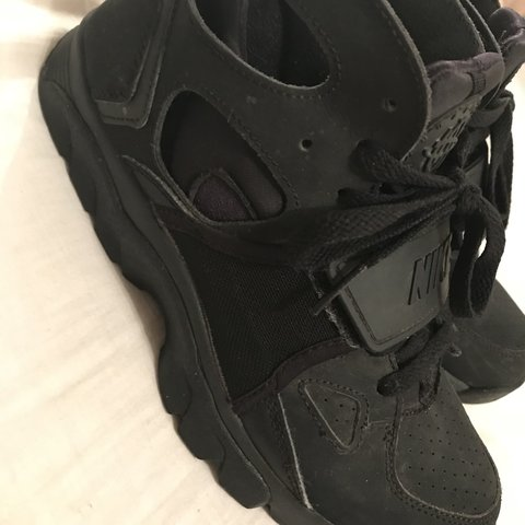 2d073d5e6e52 REDUCED PRICE  Black high top huaraches old school -  ) .. - Depop