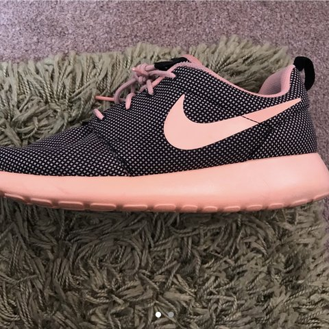 online store 9be97 0106d Nike trainers Nike roshe runs Colour- 0