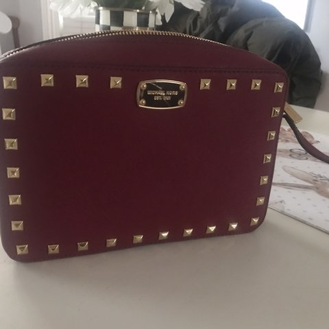26805bf0b781 @hdemay. 9 months ago. Rochester, United States. Michael Kors Red Crossbody  Bag in almost perfect condition! Small scratch on label but ...