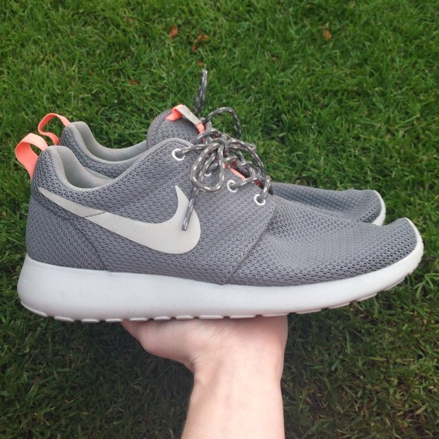 cf2a0ba5d8a20 Genuine Nike Roshe Run trainers size 5 in grey and neon from - Depop