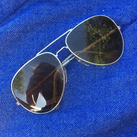 efbf53e553 Cool classic vintage aviator sunglasses with a gold metal   - Depop