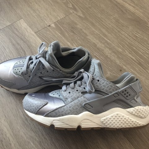 13dd1177fac9 Silver and gray Nike Huaraches I m good condition  gently on - Depop