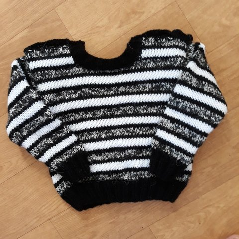 200d3d8d1e23 For sale Baby boy and baby girl knitted jumper COLOUR  Black - Depop