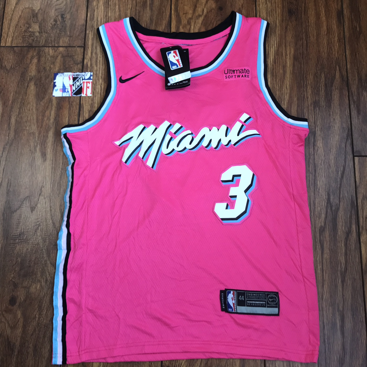 competitive price 2dfb2 5d20d Dwyane Wade Miami Heat pink Nba stitched jersey new ...