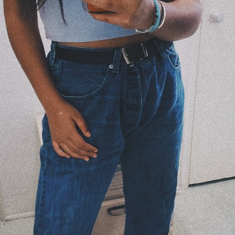 a5d5bc27 BIG LEVIS JEANS RIPPED IN THE BACK (looks good) Original a - Depop