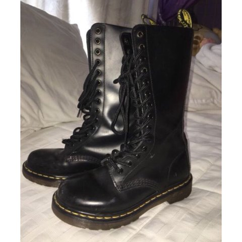 0be0d748d97b Tall Dr.Martens Gently worn Semi brand new Size 5 in in - Depop