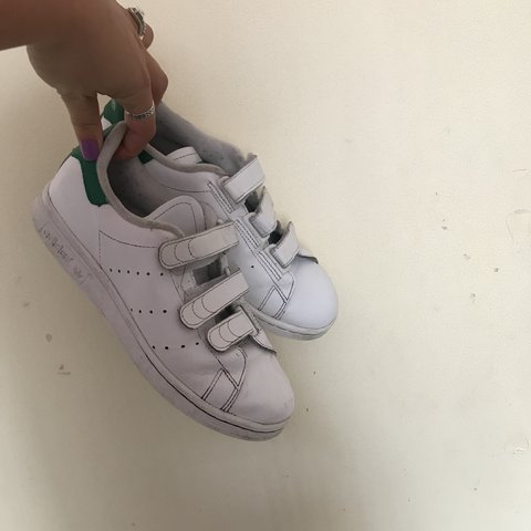 ADIDAS White   green Stan smith Velcro trainers 👟💚 UK 4 a - Depop a75c990e2