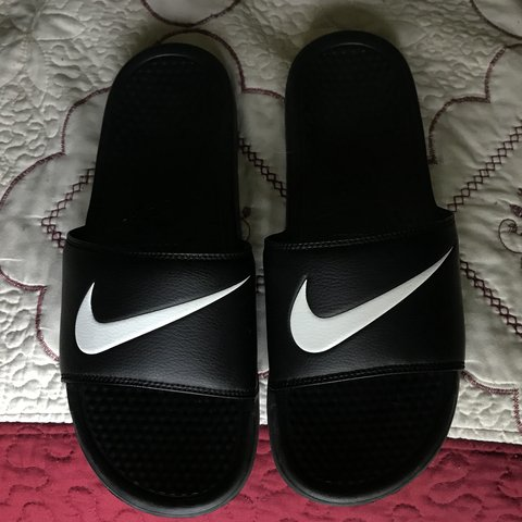 ded842213 🐾 Nike Slides 🐾 -Worn a few times -Good condition -Very 9 - Depop