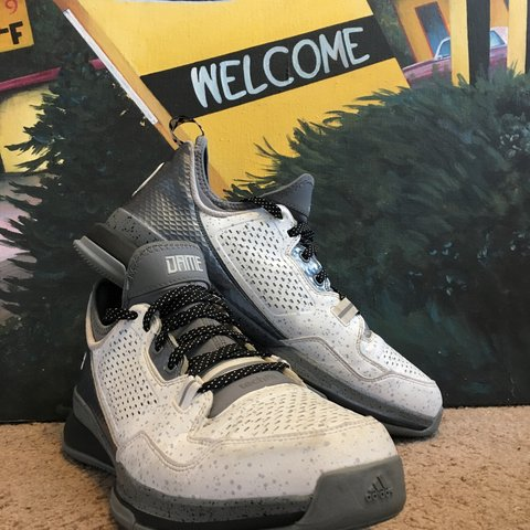 5d1d68e3e00c Dame Lillard 1s only ever worn on the court. Perfectly good - Depop