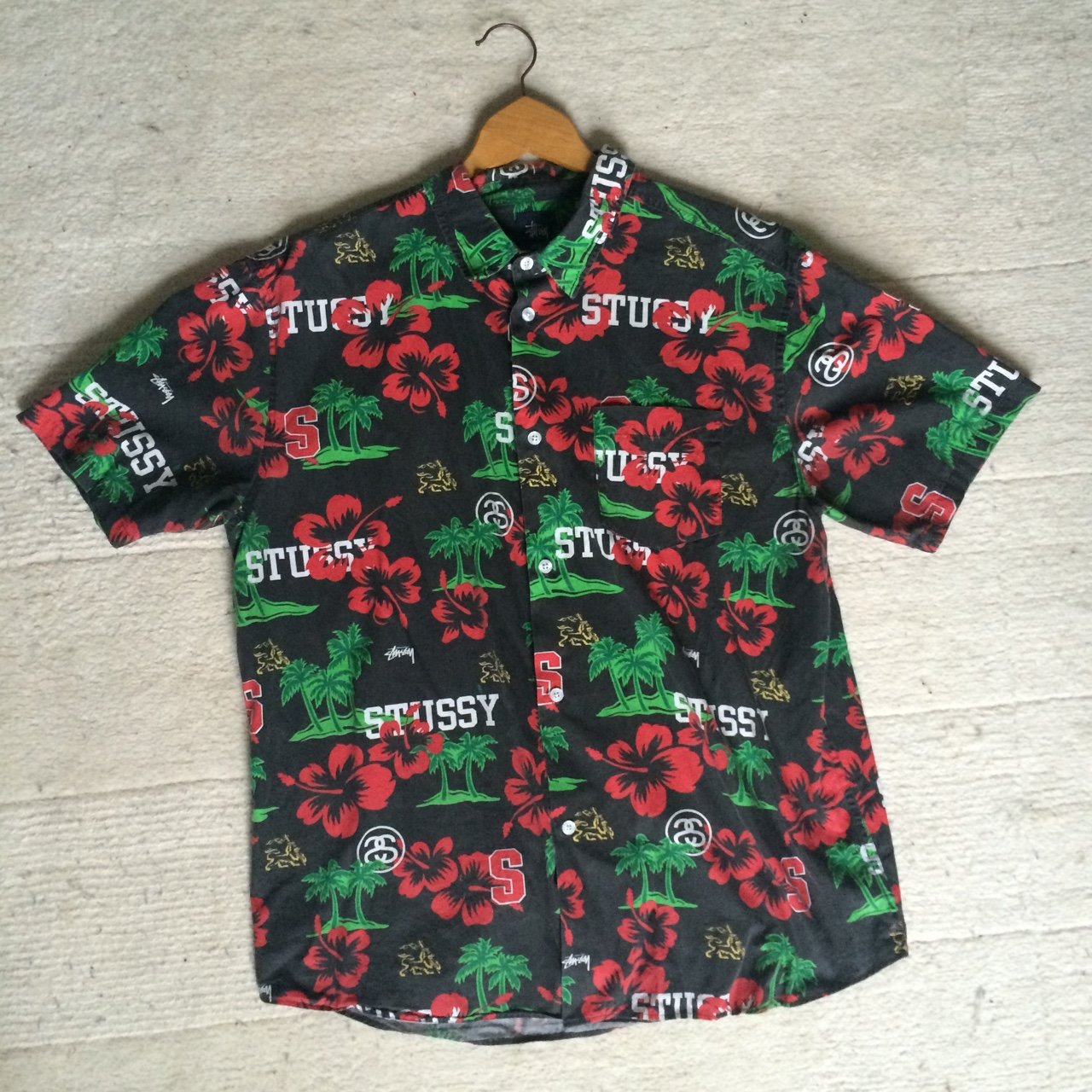 b2ae0bc1b @t0m. 3 years ago. Falmouth, Cornwall, UK. Stussy tropical print Hawaiian  shirt floral short sleeve size large summer