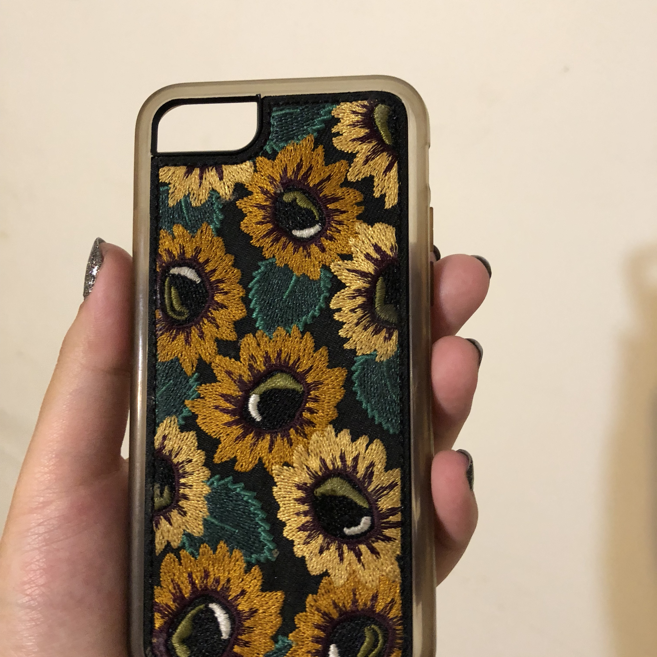 buy online f2831 73eb9 Embroidered sunflower iPhone 6 case. - Depop