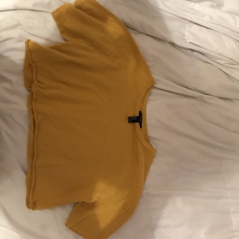 cf6f6572a46a6e @dellibonnet. 3 months ago. Cedar Park, United States. Yellow cropped t  shirt. Barely worn