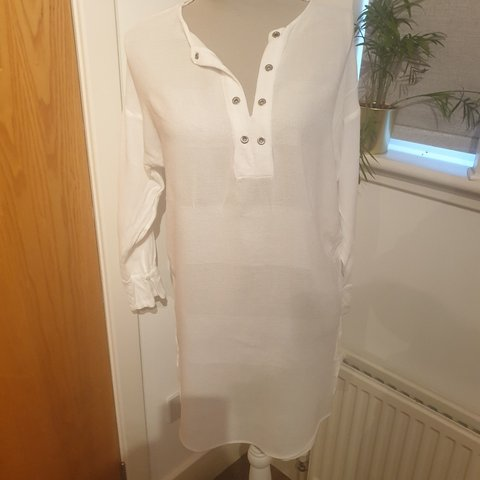 6e62599f3a @flojen86. 3 months ago. United Kingdom, GB. Zara white eyelet beach cover  up dress ...