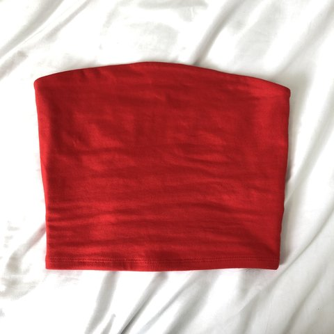 1e20213144e54 ✖ garage red tube top (not cropped) ✖ amazing condition size - Depop