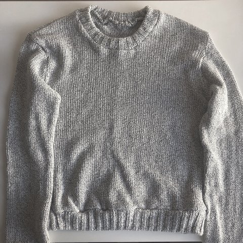 7e62c19dbc694  alexiaaaaas. 9 months ago. United States. Brandy Melville Cropped Gray  Sweater