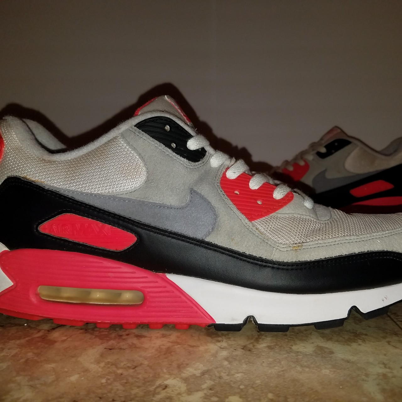 2005 Nike Air Max 90 Classic Infrared, Mens size 15....