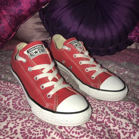 4e6bd9c4b3c48c RED LOW TOP CONVERSE PRE OWNED GREAT CONDITION ALL STAR 2 - Depop