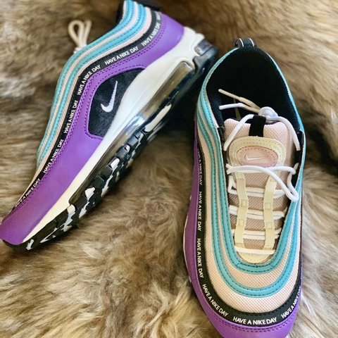 air max 97 gold fake vs real