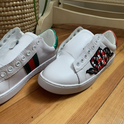 ee7fdec1e Gucci sneakers- Willing to provide laces just took them 7 - Depop