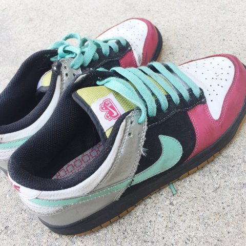 b2ff08a8983f COLORFUL NIKE 6.0 SHOES   SNEAKERS ✨ These have wear but it - Depop