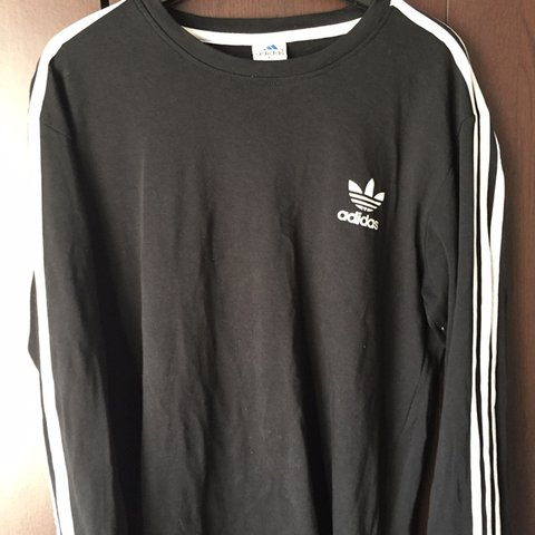 b2d9f0eb8 @jaubdole. 3 months ago. Plymouth, United Kingdom. Adidas long sleeved T  shirt. Excellent condition. Size men's XL but would fit ...