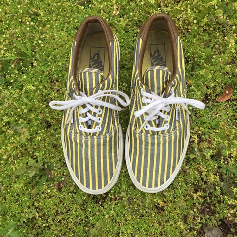 5a8663327dd Super cute and on the rarer side striped grey and yellow up - Depop