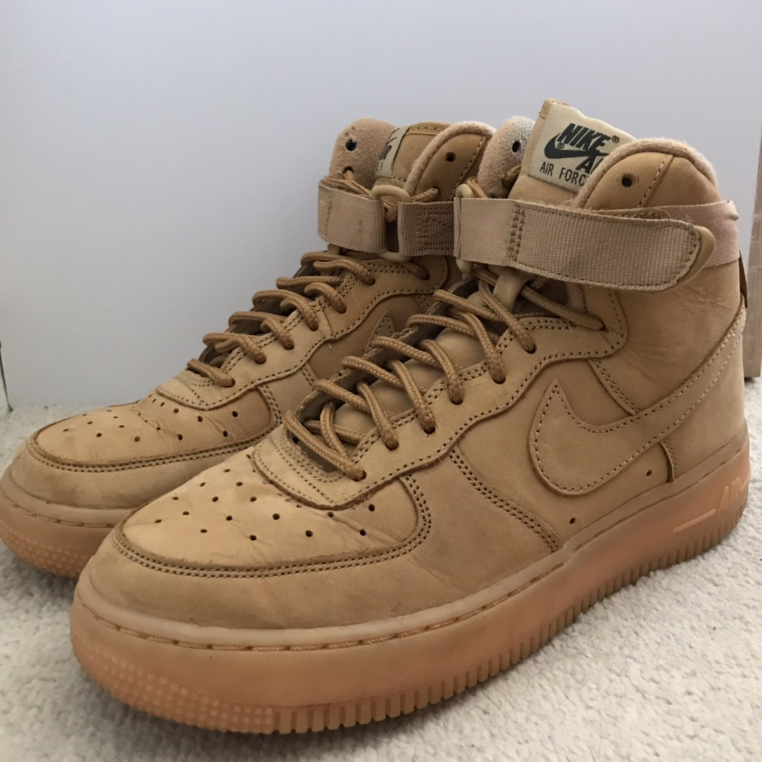 baskets pour pas cher 21fbf 63858 Nike Air Force 1 High top Brown / Beige / Camel Size... - Depop