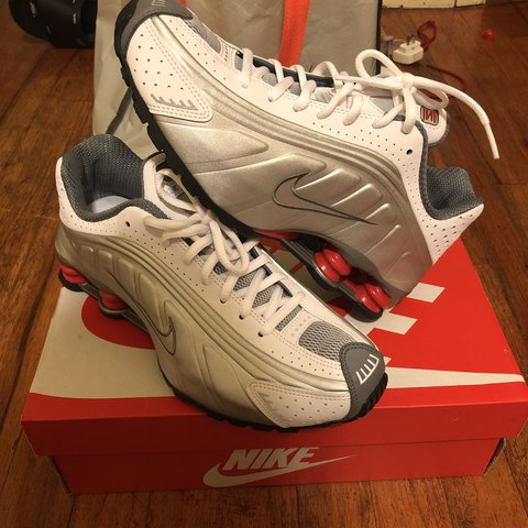 78b1dd97d46de6 Nike Shox R4 Brand new Bought at Kith NYC SIZE 6.5 in - Depop