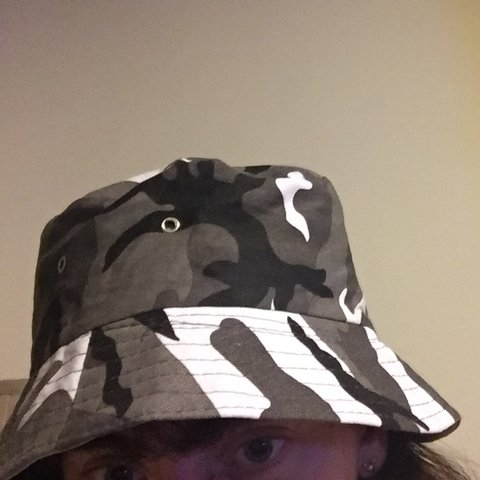 5958c9dfcb6 Snow camo bucket hat new never worn! - Depop