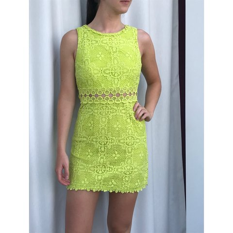 7ade77c2522 LIME GREEN TOPSHOP MINI DRESS🥝 Such an usual summer dress