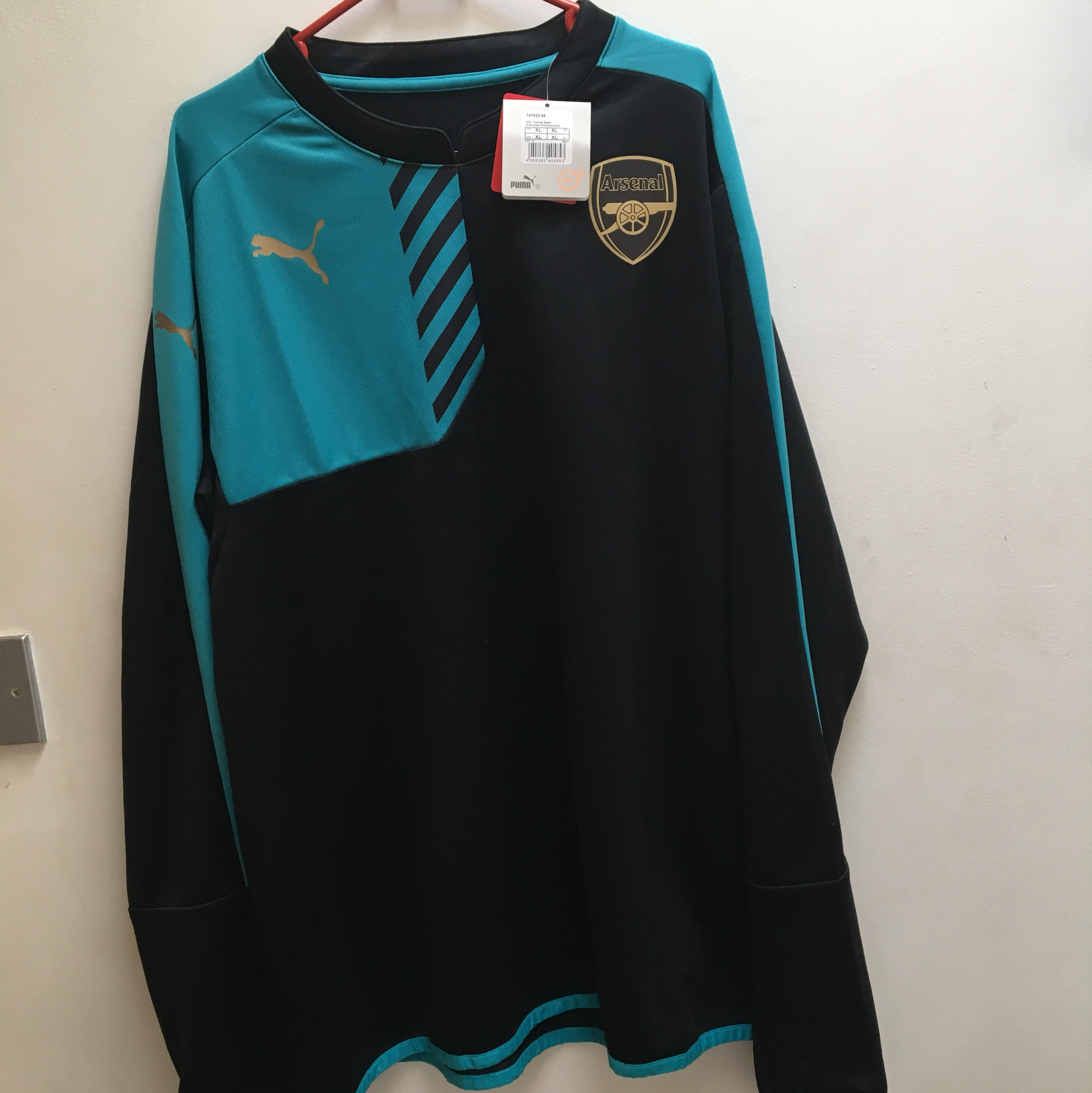 sports shoes c9722 a0931 Official Arsenal training jersey. Brand new with... - Depop