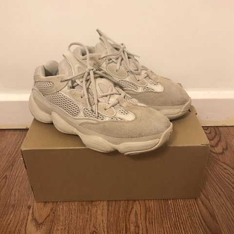 2cf8effa Yeezy 500 BLUSH COLOURWAY Most hype n rare colourway Size 2 - Depop