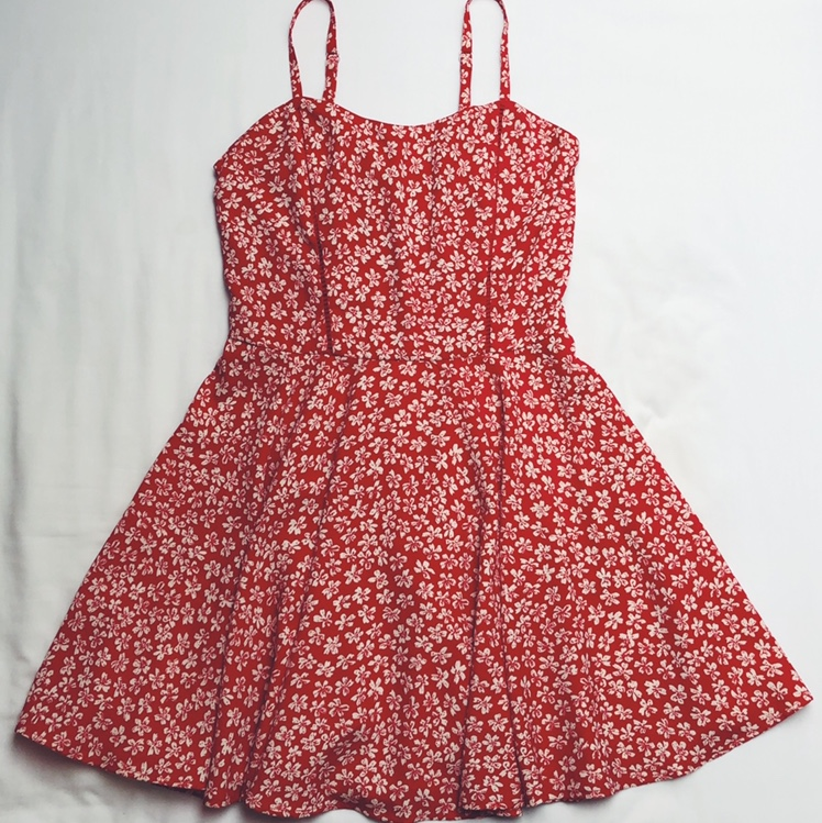 Red Floral Dress From New Look  Size 10/12 (Was 14 by Depop