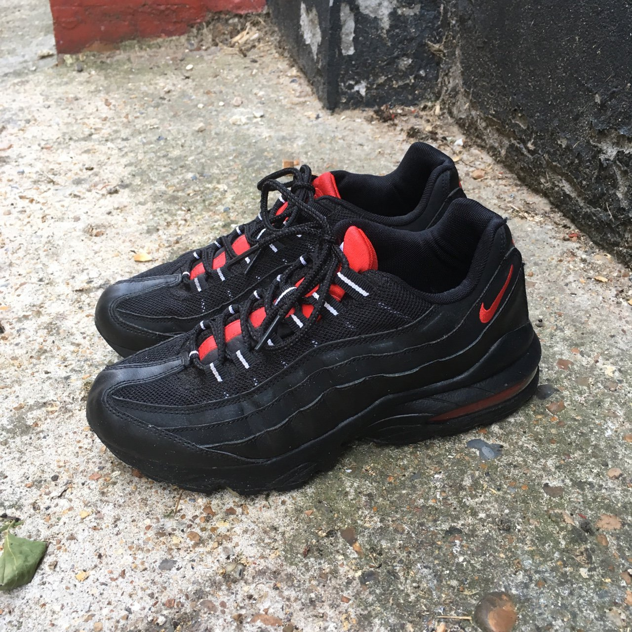 sports shoes 965d8 259d1 nike air max 95 95s used black red white uk size 5! a few to - Depop