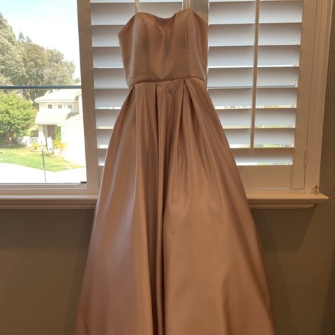 31f92817657 this is a champagne colored prom dress. the waist is about i - Depop