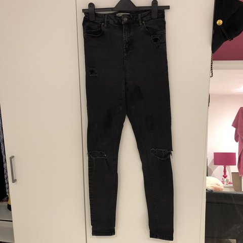 a7a92731474 @emma633. 10 months ago. Bournemouth, United Kingdom. Top shop jeans. Nice  fit. Distressed black.