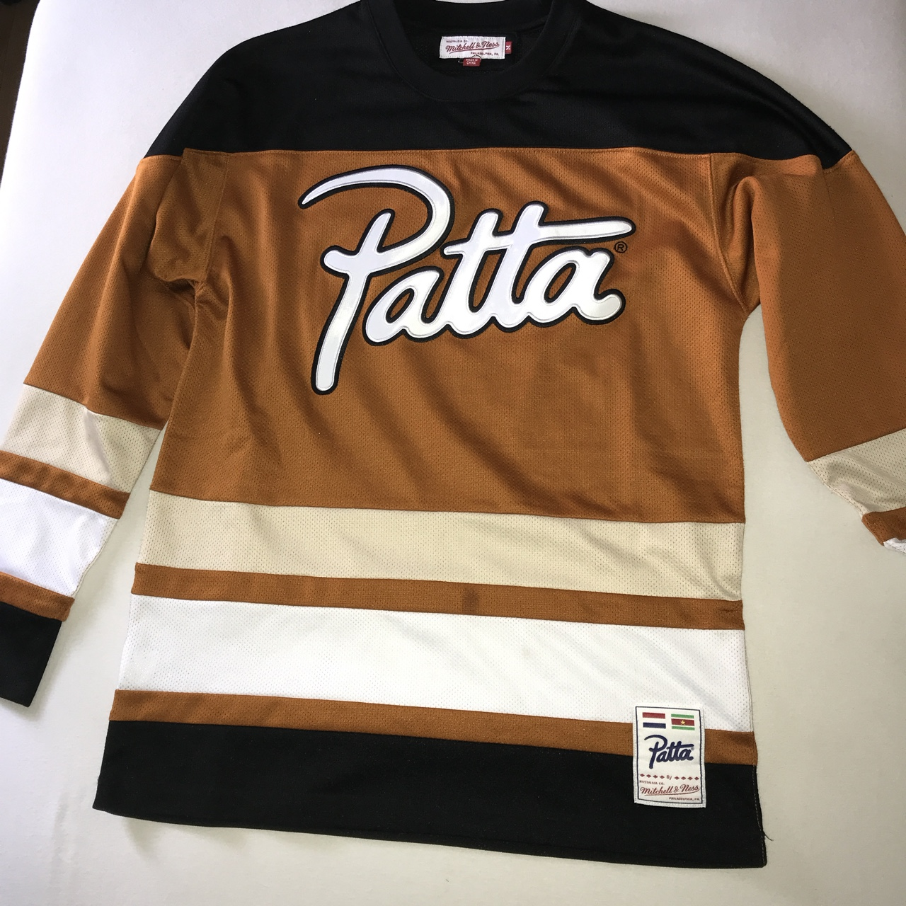 newest 8b043 4bd53 Patta , Mitchell & Ness Jersey Size M Used , but in... - Depop