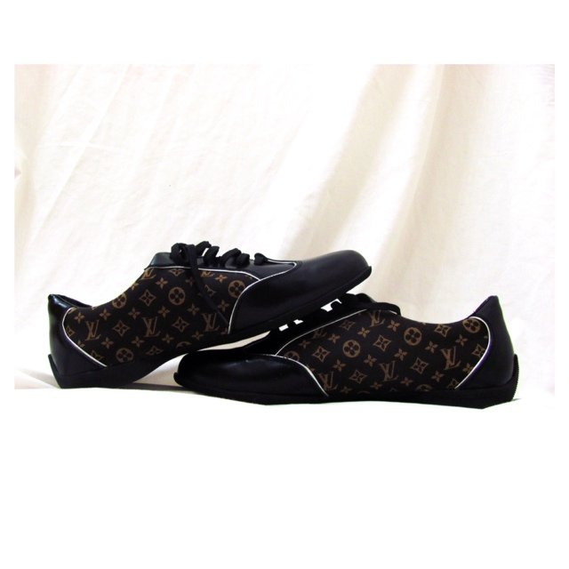 edc8fc9e336d Men Louis Vuitton shoes very well taken care of! Size 8 1 2. - Depop