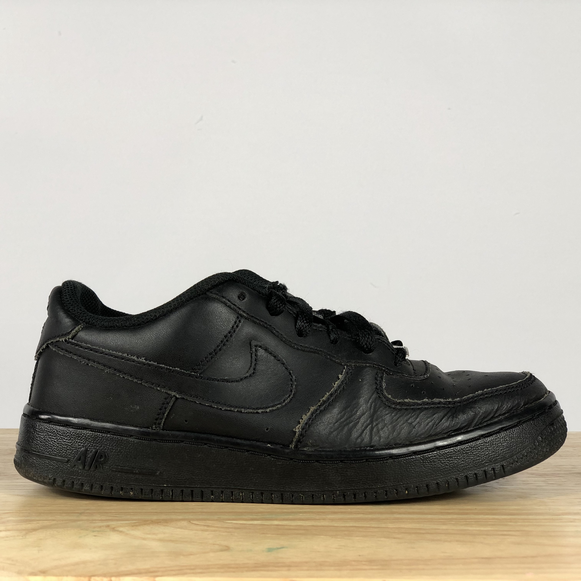 free shipping bc74b 501a7 Nike Air Force 1 women's size 7 AF1 shoe black great... - Depop